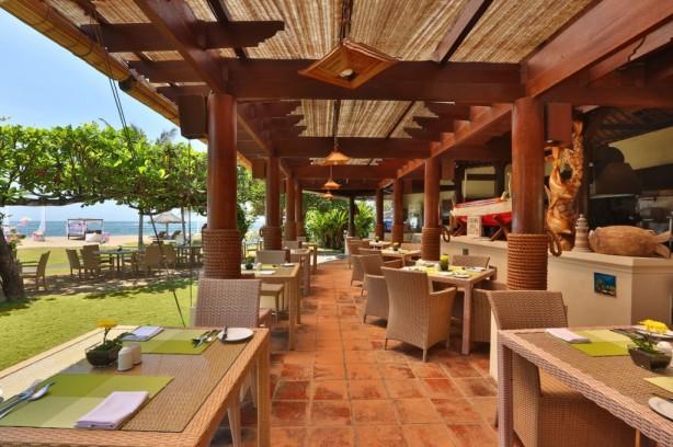 Dining at Grand Mirage Resort