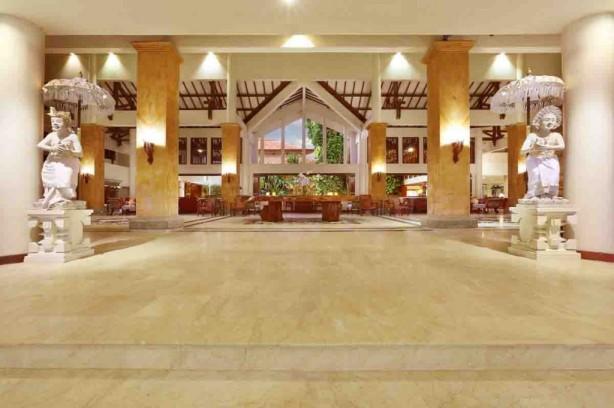 Lobby of Grand Mirage Resort
