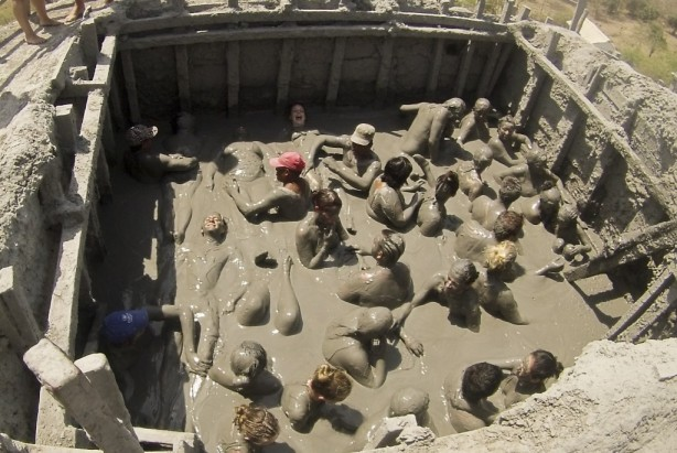 bodies in mud, mud volcano, cartagena, colombia