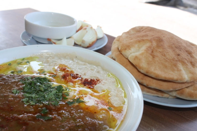The best hummus in Tel Aviv at Abu Hassan
