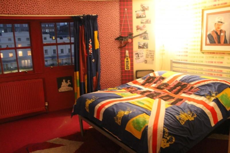 Pretty Vacant room at Hotel Pelirocco