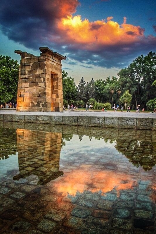 Looking for the best place to watch the sunset in Madrid? Try the Temple of Debod: http://www.dtravelsround.com/2015/06/25/best-place-to-watch-sunset-in-madrid-temple-debod/