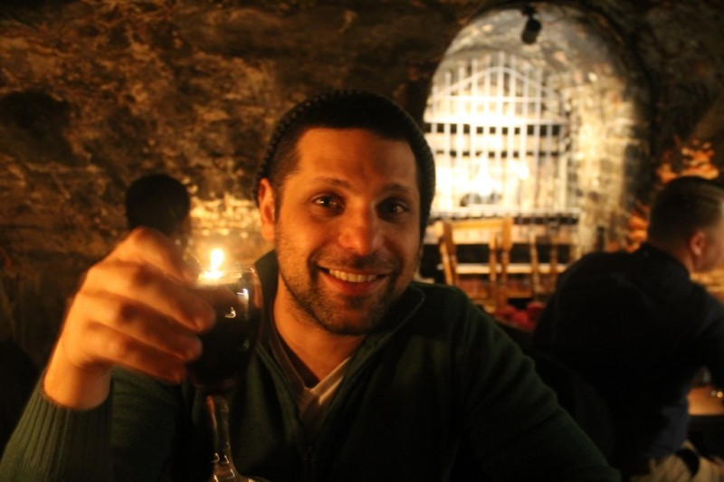 Gordon's Wine Bar | Cool things to do in London via www.dtravelsround.com