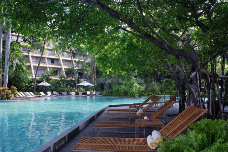 Explore Bangkok and stay at the Swissotel