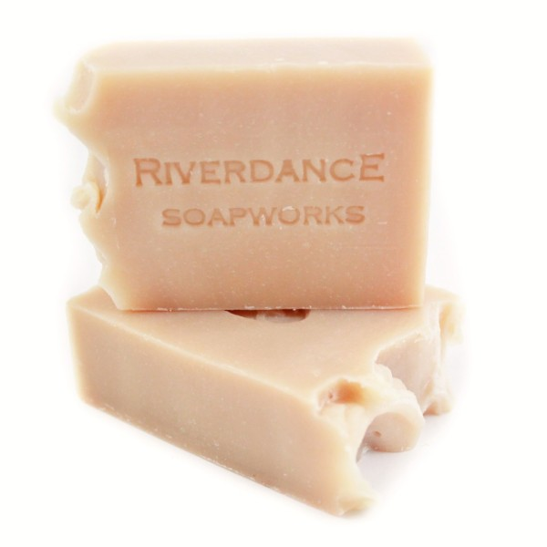 The Gift Guide for Travelers featuring only sustainable gifts and gifts which give back to local communities. Pictured: Riverdance Shampoo Bar, vegan. For more, visit www.dtravelsround.com